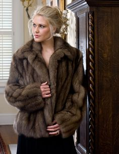 Fur Coats, Furs, Coats For Women, Fisher, That Look, Poses, Style, Girls Coats, Figure Poses