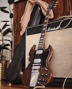 Sg Guitar, Learn Guitar Chords, Music Guitar, Guitar Amp, Cool Guitar, Gibson Epiphone, Gibson Guitars, Unique Guitars, Vintage Guitars