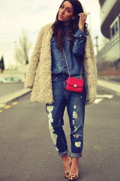 La Florinata: Look del Día: Total Denim  Jeans Pull - AW 12-13  Shirt Mango - Old  Abrigo/Coat Zara - AW 11-12  Bolso/Bag Accessorize - AW 11-12  Pulsera/Bracelet Agatha - AW 11-12  Stilettos Zara - AW 12-13