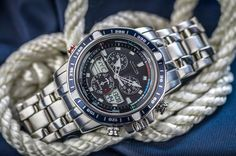 Sail away this week wearing the patriotic Citizen Sailhawk timepiece! #BetterStartsNow #WatchWednesday http://ow.ly/P2OaO $525