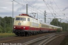 DB Baureihe 103 in Hamburg Harburg Train Art, By Train, Diesel, Old Steam Train, Railroad Pictures, Light Rail, Electric Locomotive, Bugatti, Transportation