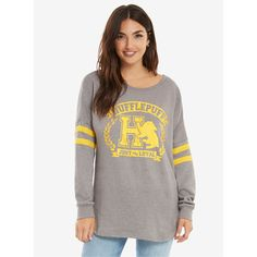 Harry Potter Hufflepuff Traits Womens Sweatshirt (£31) ❤ liked on Polyvore featuring tops, hoodies, sweatshirts, crew neck top, crew top, crewneck sweatshirt, crew-neck sweatshirts and white crew neck sweatshirt