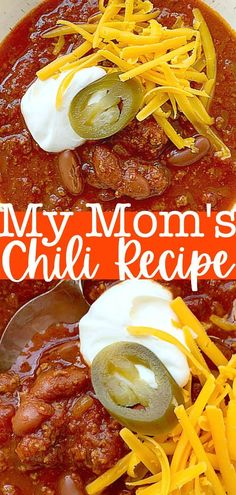 My Mom's Chili Recipe is a comforting and cozy dinner your whole family will love. | Foodtastic Mom #chili #chilirecipe #chilirecipeeasy via @foodtasticmom Quick Soup Recipes, Delicious Dinner Recipes, Chili Recipes, Quick Meals, Grilling Recipes, Slow Cooker Recipes, Soup With Ground Beef, Game Day Food, Winter Food
