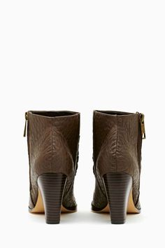 <3 <3 <3 Shoe Cult Renegade Boot - Taupe