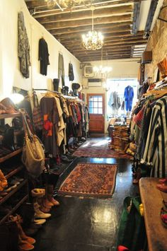 """""""I guess I am a terrible candidate for this."""" she texts me, noticeably apologetic. Bohemian Clothing Stores, Vintage Clothing Stores, Vintage Boutique, A Boutique, Vintage Shops, Tienda Pop-up, Store Interiors, Boutique Interior, Store Displays"""