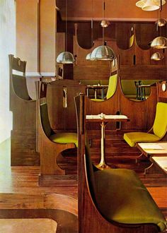 Achille Castiglioni and Milano: a beer house, a pavilion and a showroom Mid-century Interior, Interior Architecture, Interior And Exterior, Cafe Restaurant, Restaurant Design, Chandeliers, Banquette Seating, Vintage Interiors, Hospitality Design