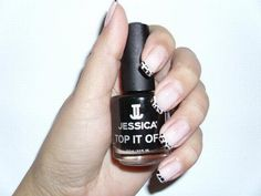 Jessica cracked nail effect  www.facebook.com/ButterflyBeautyCenter