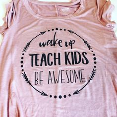 Awesome Teacher t-shirt, Teacher shirt, Best Teacher gift, Teacher Appreciate Day by RuntCakes on Etsy