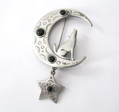 Vintage Howling Coyote Crescent Moon by LovesVintageDelights, $14.00 #jewelryonetsy #vintage