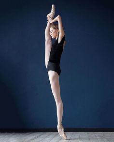 New photos of Vaganova Ballet Academy student Daria Ionova by the wonderful Darian Volkova.
