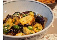 旬の茄子を使った簡単レシピをご紹介します。素揚げした茄子を和えるだけ! 素揚げすることで植物油に豊富に含まれるエネルギーや必須脂...