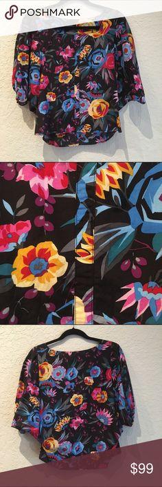 Tucker Geometric Floral Tunic Blouse P Tucker Geometric Floral Tunic Blouse P Tucker Tops Blouses