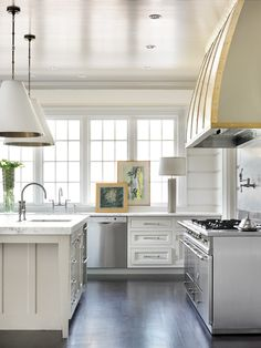 Inside Look: Melanie Turner's updated take on the white kitchen - Home & Garden - Atlanta Magazine