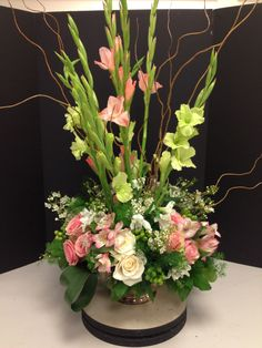 glad flower arrangements   my phoenix design with a few extra glads and roses thanks to jane