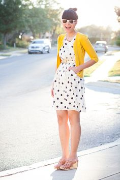 Nothing says springtime pretty like a pop of color on black and white, I totally have a dress like this!