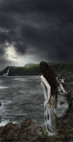 Dreaming In the night, there will be things you can not even imagine. Vampires, Dark Fantasy, Fantasy Art, Wicca, Sea Witch, All Nature, Dark Beauty, Conte, Vintage