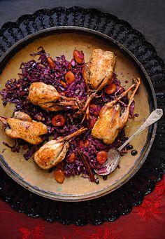 El chef José Pizarro nos comparte esta opción para la cena navideña: perdiz asada con col morada.