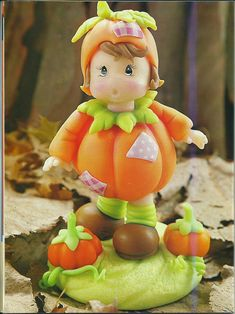 Little pumpkin boy & another lil boy, old man Polymer Clay Miniatures, Fimo Clay, Polymer Clay Projects, Polymer Clay Creations, Polymer Clay Art, Polymer Clay Halloween, Halloween Crafts, Halloween Scene, Clay Figurine