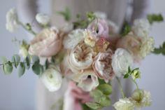 Formation fleuriste one to one - Capucine Atelier Floral Floral Wreath, Bouquet, Wreaths, Rose, Plants, Decor, Atelier, Flowers, Floral Crown
