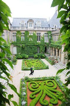 wonderful Parterre garden of the Carnavalet museum in the Marais, Paris