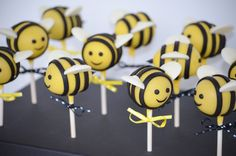 Baby Bee Cake Pops - Cake pops for a bee themed baby shower