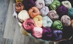 Kötött levél szegélyminta – Kötni jó – kötés, horgolás leírások, minták, sémarajzok Crochet Stitches, Baby Knitting, Lana, Knitting Patterns, Creative, Ravelry, Studios, Hooded Scarf, Knitting