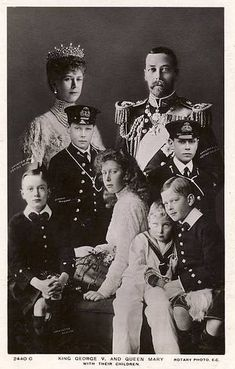 King George V and Queen Mary with their 6 children. Edward [Prince of Wales later Edward Albert- later George [father of HM the Queen] Henry, Duke of Gloucester, George- Duke of Kent, Princess Mary- the Princess Royal and Prince John who died in his teens King Kong 1933, Queen Mary, Princess Mary, Prince And Princess, King Queen, Queen Elizabeth, Royal Prince, English Royal Family, British Royal Families