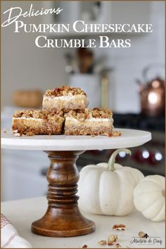 These Pumpkin Cheesecake Crumble Bars are the perfect fall treat, combining yummy pumpkin, a layer of sweet sour cream and a crunchy, nutty crumble topping! Delicious fall dessert recipe ---> #maisondecinq pumpkindessert pumpkinbars falldessert fallsnack cheesecakebars cheesecake dessert dessertrecipe printablerecipe Fall Dessert Recipes, Fall Desserts, Delicious Desserts, Pumpkin Sheet Cake, Spice Cookies, Bar Cookies, Cheesecake Desserts, Keto Desserts, Crumble Topping