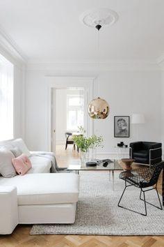 Minimalist Decorating - Family Homes