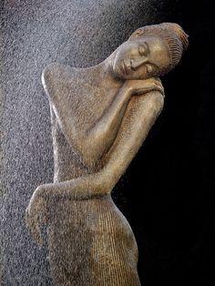 Bella Figura, Skulptur, Plastik aus Bronze von Malgorzata Chodakowska