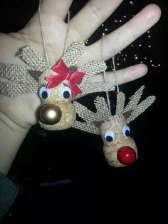 Fun and Easy Christmas Crafts for Kids to Make - Wine Cork Ornaments - Learn how to make fun and easy DIY Christmas crafts for kids with wine cork ornaments. Wine Cork Ornaments, Reindeer Ornaments, Wine Cork Crafts, Diy Christmas Ornaments, Christmas Decorations, Wooden Crafts, Recycled Crafts, Bottle Crafts, Preschool Christmas Crafts