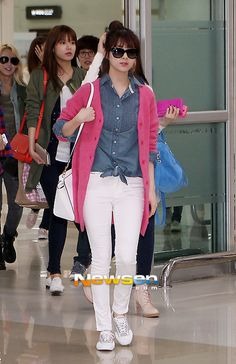 http://okpopgirls.rebzombie.com/wp-content/uploads/2013/04/SNSD-Seohyun-airport-fashion-April-6-1.jpg
