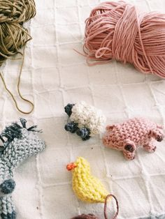 Waldorf toys , farm animales , wool toys , crochet , crochet toys Waldorf Toys, Crochet Toys, Farm Animals, Crochet Necklace, Wool, Toys, Animales