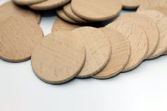 This listing is for 10 unfinished beech wood discs. Diameter: 1.5 (3.7 cm)…
