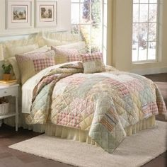 BrylaneHome Quilt :           Designed with intricate printed patterns and beautiful all-over stitching, quilt sets include FREE sham(s) - Twin with 1 std.,Full/Queen and King with 2 std. - up to a 39.98 VALUE. Machine wash/dry. Imported. Traditional quilting design mixes a medley of patterns in a subt...