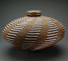 "Basket ""isichumo"" by Beauty Ngxongo (South African) African Theme, African Art, Zulu, Weaving Art, Hand Weaving, Textiles, African Pottery, Pine Needle Baskets, Woven Baskets"