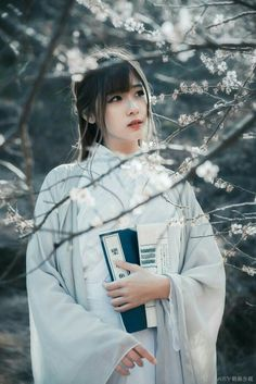HanFu Old Classics Movies Ancient Beauty, China Girl, Chinese Clothing, Chinese Culture, Hanfu, Beautiful Asian Women, Japanese Girl, Traditional Outfits, Traditional Chinese