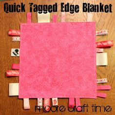 Tutorial for Quick Baby Tag Blanket - Craft ~ Your ~ Home Easy Sewing Projects, Sewing Projects For Beginners, Sewing Hacks, Sewing Crafts, Sewing Ideas, Sewing Diy, Tag Blankets For Babies, Cute Blankets, Baby Blankets