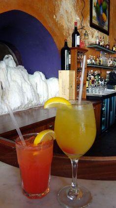 Cocktail, El Picoteo de Tapas y Paellas, Puerto Rico Margarita, Puerto Rico, Tapas, Alcoholic Drinks, Tableware, Glass, Color, Cocktails, Dinnerware