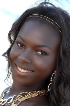 Veronique Boubane, a beauty and Top Model from Senegal, who now lives in Belgium, won Miss Belgique in 2008. http://www.shorthaircutsforblackwomen.com/flexi-rods-on-natural-hair/                                                                                                                                                      More