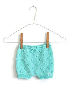 Popcorn Stitch Bloomers - Free Knitting Pattern & Tutorial Baby Bloomers Pattern, Crochet Baby Bloomers, Diaper Cover Pattern, Baby Girl Crochet, Free Baby Stuff, Knitting For Kids, Baby Knitting Patterns, Baby Patterns, Free Knitting