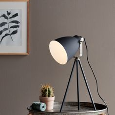 The raw and industrial Largo series fits perfectly into the modern decor, and gives a nice cozy light at the same time Largo is a complete series with both floor lamp, table lamp and wall lamp in both black and white Tripod Table Lamp, Table Lamp Base, Bedside Table Lamps, Table Lamp Sets, Desk Lamp, Lampe Industrial, Lampe Metal, Industrial Furniture, Scandinavian Lamps