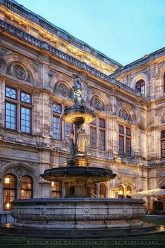 Opernhaus- Wien...