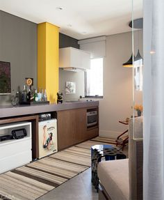 Small Spaces - Kitchen in a one-bedroom apartment Small Space Kitchen, Small Spaces, Kitchen Dining, Kitchen Decor, Dining Area, Modern Loft, One Bedroom Apartment, Apartment Interior Design, Decoration