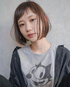 ボブヘアカタログ LALA official スタイリスト 服部 達哉@tatsuya_hattori_tsunagu (tsunagu) 2018.2月OPEN LALAは厳選した美容師だけを掲載するヘアカタログメディアです 技術センスサービスにこだわるプロフェッショナルが毎日のサロンワークでお客様に提案するリアルなヘアスタイルを掲載しています あなたの魅力を引き出す運命の美容師をみつけてください サイトはプロフィールのリンクからご覧ください 掲載をお考えのサロン様スタイリスト様へLALAサイト内一番下にある掲載をお考えの方へからお問い合わせください インスタ内でヘアスタイルの紹介をご希望される方へ @lala__hair#lala__hairをフォロー&タグ付けください厳選して紹介させて頂きます #ショートボブ#ミニボブ#ショートカット#ボブ#パーマ#パーマスタイル#ショートヘア#ショートヘアアレンジ#ショートヘアー#ボブアレンジ #ボブスタイル #ボブヘアー #ヘアスタイル#ヘアカタログ#美容室#髪型#髮型#髮型屋#髮型設計 #发型 #造型 Bob Styles, Short Hair Styles, Short Bangs, Hair Images, Fashion Books, Bob Hairstyles, Natural Hair Styles, Girl Fashion, Hair Cuts