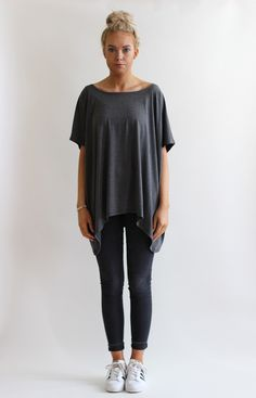 Cotton blend jersey oversize drape tee shirt. Relaxed oversize cut and comfortable to wear. Fabric 96% Cotton 4% Elastane FREE UK DELIVERY
