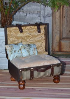 Vintage Inspired Suitcase-  via Etsy. this could be a good DIY pet bed #pet #bed