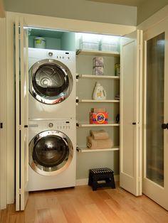 Lavanderia com porta estilo camarão