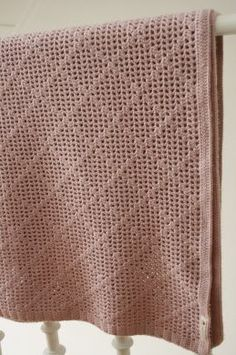 full blanket...beautiful pattern, don't care for the color.