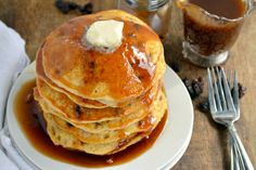 Cinnamon Raisin Bread Pancakes is a warm and inviting breakfast just waiting for you. Happy Mother's Day!